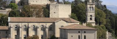 DECOUVERTES-chateauadhemar